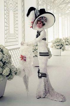Audrey Hepburn in My Fair Lady, costume design by Cecil Beaton My Fair Lady, Vintage Hollywood, Hollywood Glamour, Classic Hollywood, Audrey Hepburn Photos, Audrey Hepburn Style, Vintage Style Outfits, Vintage Fashion, Portrait Photos