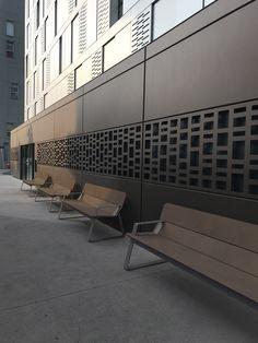 Brown is boring? Brown is brilliant! Urban Furniture, Street Furniture, Furniture Design, Outdoor Furniture, Landscape Architecture, Landscape Design, Architecture Design, Public Seating, Sustainable Furniture