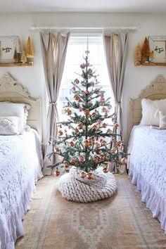 Enjoy this merry collection of farmhouse Christmas decorating ideas. From burlap tree skirts to hand-strung garland, there are dozens of easy ideas to get the modern rustic look. Unwrap the style that delights you with plenty of neutral designs paired with natural accents as well as colorful designs that will fill any home with joy. #farmhouse #christmas #christmasdecorations #garland #christmastrees #decoratingideas #bhg Christmas Bedroom, Farmhouse Christmas Decor, Country Christmas, Cottage Christmas Decorating, Christmas Kitchen, Farmhouse Decor, Christmas Time Is Here, Noel Christmas, All Things Christmas