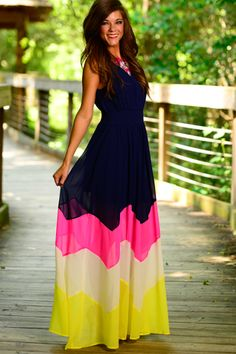 SheIn offers Navy Yellow Sleeveless Color Block Maxi Dress & more to fit your fashionable needs. Pretty Dresses, Beautiful Dresses, Look 2015, Mode Hijab, Mode Style, Dress Me Up, Spring Summer Fashion, Dress To Impress, Street Fashion