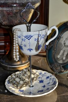 Jewelry Stand Jewelry Dish Pretty and petite blue by SimplyChina, $18.75