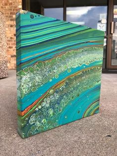 Such a cool Acrylic Pour! Pieces like these really inspire me to pick up the paint every day :)