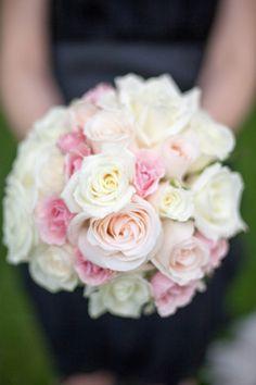 Blush, White, Pink Roses | Bouquets | #WeddingFlowers | Bernadette at Dette Snaps