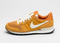 Nike Internationalist (Gold Leaf / Sail - Sail)
