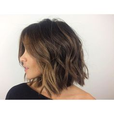 Casual messy versatile bob cut hairstyle || Style haircut as naturally wavy, straight, or deconstructed loose waves w/a curling wand or flat iron