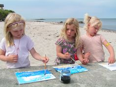 Outdoor drawing with artist Britta Johanson