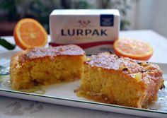 Σαν σάμαλι ή ραβανί ψημένο μέσα σε φύλλα κρούστας, αλλιώς, η πορτοκαλόπιτα στα καλύτερά της! Μοσχοβολάει βούτυρο και πορτοκάλι και είναι το τέλειο κέρασμα. Υλικά για ένα ταψάκι 25Χ35εκ.: Για τη ζύμη και τα φύλλα: 6 φύλλα κρούστας 100γρ. βούτυρο LURPAKλιωμένο για το άλειμμα των φύλλων 1 1/2 φλιτζάνι αλεύρι … Cornbread, Banana Bread, Sweet Tooth, French Toast, Sweet Home, Sweets, Baking, Breakfast, Cake