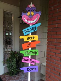 What could be more fun than an Alice in Wonderland party? The colors, the characters, Alice has it all! For my daughter's first birthday party we invited our guests to ONEderland and it turne…