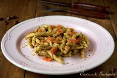 Pasta+pesto+di+pistacchio+e+salmone+affumicato