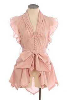 I would kill to be able to wear something like this. Unfortunately, I'm accident prone and pale pinks and creams don't work well with my skin tone. I'm also far too shy about wearing anything with ruffles, despite my love for them...