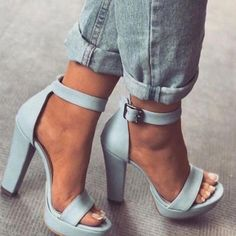 Adorable Shoes For Women Heels Ideas Miraculous Tricks: Shoes Trainers Grunge shoes trainers grunge.Trendy Shoes Slip Ons shoes alpargat Source by shoes adidas Trendy Shoes, Cute Shoes, Me Too Shoes, Casual Shoes, Shoes Style, Cute Pumps, Women's Casual, Casual Wear, Slingback Chanel