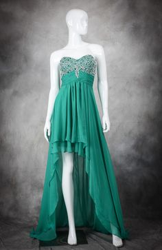 High low prom dresses are a BIG style this year, and this green style is lovely, light, and divinely decorated! Beading Bust Light Chiffon High Low Prom Dress Style Code: 11388 $126 Order this high low prom dress here: http://www.outerinner.com/beading-bust-light-chiffon-high-low-prom-dress-pd-11388-19.html #PromDresses #OuterInner