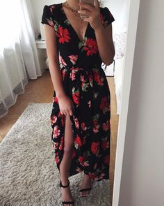 Uploaded by ོ. Find images and videos about fashion on We Heart It - the app to get lost in what you love. Simple Dresses, Cute Dresses, Casual Dresses, Casual Outfits, Cute Outfits, Summer Dresses, Look Fashion, Fashion Outfits, Dress Skirt
