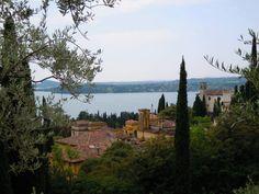 Rossella Campa - Gardone Riviera vista dal parco del Vittoriale - Brescia - Lombardia