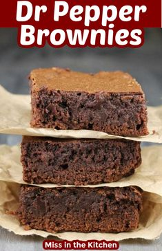 These Dr Pepper Brownies were just the ticket for my fudge brownie cravings. A quick, easy and delicious dessert for any day of the week. Best Dessert Recipes, Easy Desserts, Sweet Recipes, Delicious Desserts, Brownie Recipes, Cookie Recipes, Dessert Bars, Dessert Ideas, Chocolate Desserts