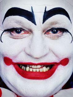 Erwin Olaf paradise portrait by erwin olaf-04« Pour moi, les clowns représentent l'anonymat et le danger. Même s'ils sont supposés amuser les enfants, ils sont effrayants » 4