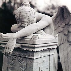 Angel Weeping on Stone/Angel of Grief Cemetery Angels, Cemetery Statues, Cemetery Art, Angel Statues, Angels Among Us, Angels And Demons, Angel Sculpture, Sculpture Art, Chef D Oeuvre