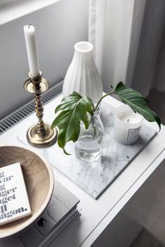 Cool vignette. Love the mix of materials. home-laura-seppanen-interior-designer4