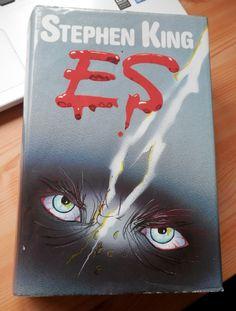 """Das Buch """"Es"""" von Stephen King.  Deutscher Bücherbund, Ausgabe 1986, 869 Seiten"""