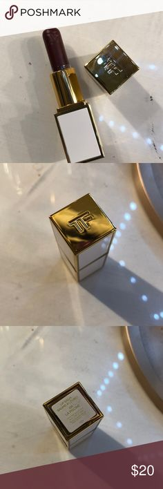 Tom Ford lip balm color: la piscine 06, only swatched never used, sanitized anyways and it's ready to go! Tom Ford Makeup Lip Balm & Gloss
