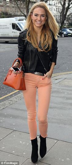 Feeling peachy: Former Made In Chelsea star Kimberley Garner shows off her slim figure in bright skin tight jeans Peach Pants Outfit, Jeans Outfit Winter, Pretty Outfits, Winter Outfits, Summer Outfits, Cute Outfits, Pretty Clothes, Work Clothes, Kimberley Garner