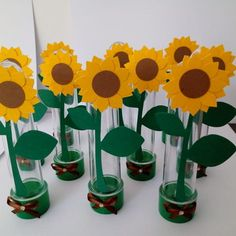 Rustic Decorating Ideas For Parties Sunflower Cupcakes, Sunflower Party, Diy Birthday Decorations, Birthday Diy, Marsha And The Bear, Trendy Wedding, Wedding Ideas, Rustic Decor