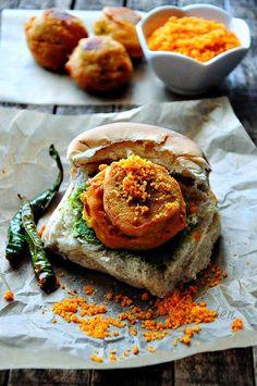 Vada Pav Recipe - How to Make Mumbai Vada Pav (Batata Pav) - Edible Garden Veg Recipes, Indian Food Recipes, Snack Recipes, Cooking Recipes, Recipies, Mumbai Street Food, Indian Street Food, Vada Pav Recipe, Vegetarian Snacks