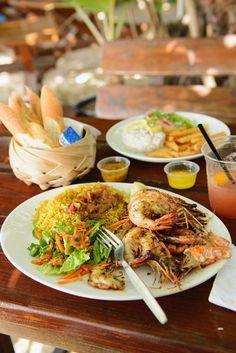 Gebratene Shrimps mit Safranreis | Zeit: 25 Min. | http://eatsmarter.de/rezepte/gebratene-shrimps-mit-safranreis