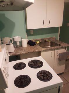 Mail - char_lie297@hotmail.com Stove, Kitchen Appliances, Diy Kitchen Appliances, Home Appliances, Range, Kitchen Gadgets, Hearth Pad, Kitchen, Kitchen Stove