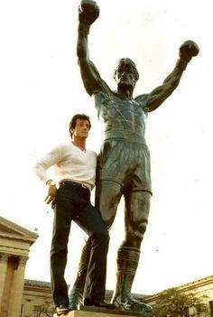 Sylvester Stallone with 'Rocky' Statue in Philadelphia. Rocky Balboa Movie, Rocky Balboa Poster, Rocky Balboa Quotes, Rocky Film, Rocky 3, Rocky Sylvester Stallone, Rocky Stallone, Iconic Movies, Great Movies