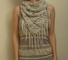 2 in 1 - triangle shawl and a cowl - seamless and knotless. great idea! #crochet