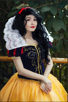 Snow White by KikoLondon.deviantart.com on @DeviantArt