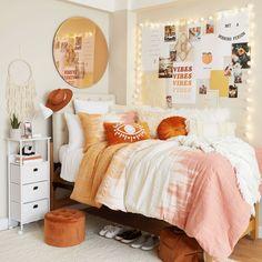 Dorm Color Schemes, Dorm Room Colors, Cool Dorm Rooms, Dorm Room Themes, Pink Dorm Rooms, Single Dorm Rooms, Calm Colors For Bedroom, Dorm Room Layouts, Dorm Room Styles