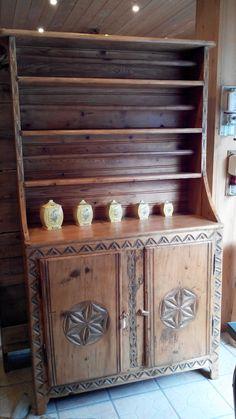 coffre ancien savoie dat et sculpt brocante au vieux parchet ugine pinterest. Black Bedroom Furniture Sets. Home Design Ideas