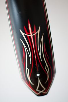 pinstriping, pinstripe, bicycle, beach cruiser, kustom art, kustom pinstriping, hot rod, toronto, canada, one shot, red, ivory
