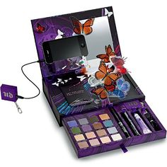 Urban Decay Sneak Peek of the Book of Shadows Volume IV Mark your calendars, makeup junkies! Urban Decay is celebrating the holidays a little early this Holiday Nail Designs, Holiday Nails, Makeup Palette, Eyeshadow Palette, Eyeshadow Primer, Makeup Eyeshadow, Eyeliner, Makeup Kit, Makeup Products