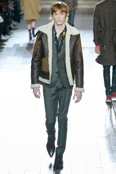 See all the Collection photos from Paul Smith Autumn/Winter 2017 Menswear now on British Vogue Fashion Show Collection, Men's Collection, Paul Smith, Vogue Paris, Winter 2017, Fall Winter, Autumn, Tartan Fashion, Twin Outfits