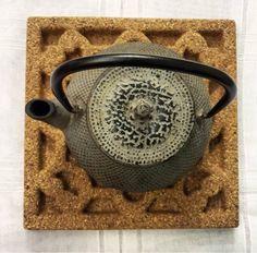 Posa][ cork trivet by Corchetes® www.corchetes.com
