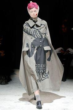 Comme des Garçons Fall 2009 Ready-to-Wear Fashion Show - Yana Shemshurova (VIVA)