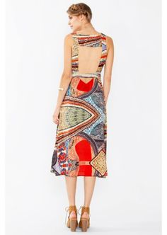 RECEIVED IN XS- CAN'T WEAR MIDI AND NEED DRESSES CAN WEAR WITH A BRA
