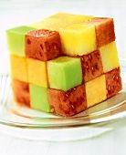 Fruit salad in a cube Lava Cake Recipes, Lava Cakes, Dessert Recipes, Desserts, Healthy Candy, Funny Fruit, Chocolate Lava Cake, Bread Bowls, Eat Smarter
