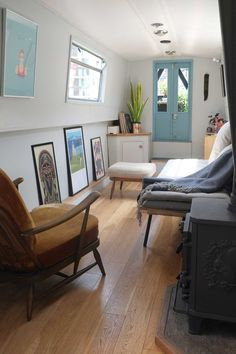 Narrowboat Lounge Interior Small Space - Design by lunarlunar Barge Interior, Interior Exterior, Interior Design, Interior Office, Tiny House Movement, Small Space Design, Small Spaces, Small Small, Small Houseboats