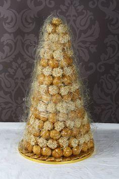 Croquembouche - wedding cake alternative Roompoffertjies!