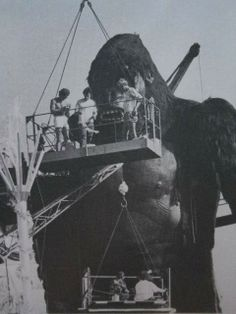 Behind the Scenes ‏@MakingOfs  53s King Kong (1976)