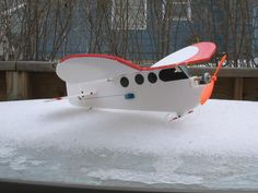 Name: Views: 842 Size: KB Description: DIY cdrom motor Fun plane, just a bit short coupled. Remote Control Planes, Radio Control, Rc Model Aircraft, Short Couples, Model Airplanes, Weird And Wonderful, Gliders, Rc Cars, City