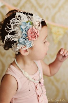 Pink Lace Silk Bow Rosette Headband with Feathers - what is going on here? im pinning it for inspiration ; Rosette Headband, Diy Headband, Baby Headbands, Flower Headbands, Crystal Headband, Headband Hairstyles, Diy Hairstyles, Baby Band, Barrettes