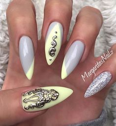 Pastel yellow and grey nails