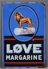 Vare: 3359808Emaljeskilt, 'Løve Margarine'.