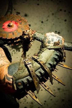 The Most Terrifying Weapons - #36 Apocalyptic Clothing, Post Apocalyptic Costume, Post Apocalyptic Fashion, Zombie Apocalypse Weapons, Apocalypse World, Fallout, Armadura Cosplay, Costume Carnaval, Homemade Weapons