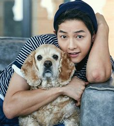 A lucky dog got to cuddle with Song Joong Ki for next month's issue of Marie Claire Korea … I want to be that dog. I want to be anything that Song Joong Ki uses as a prop. Asian Actors, Korean Actors, Korean Dramas, Marie Claire, Song Joong Ki Photoshoot, Hau Due Mat Troi, Soon Joong Ki, A Werewolf Boy, Songsong Couple